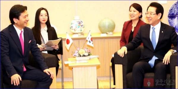 일본 사가현지사와 회담.jpg