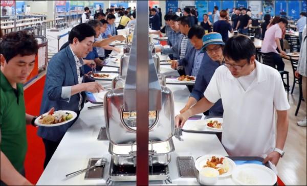 선수촌 식당1.jpg
