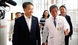 박능후 보건복지부장관 조선대병원 방문